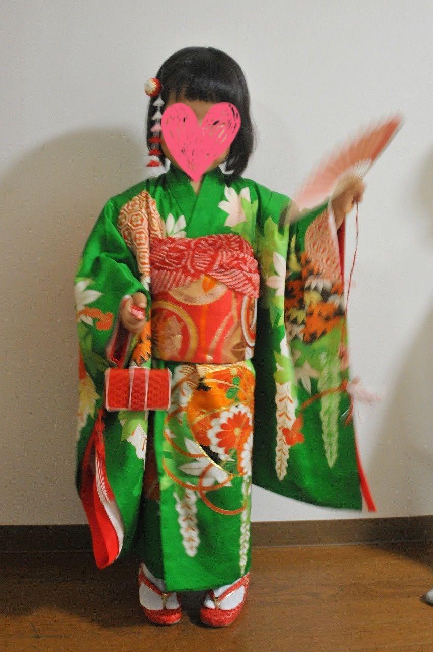 七五三の三歳の女の子が被布なしの着物姿