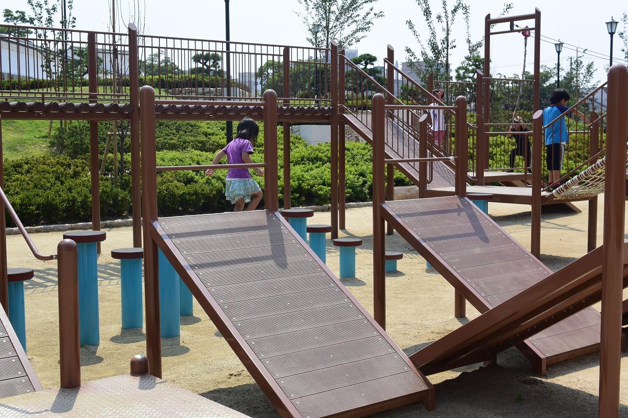 尼崎城の忍者修行ができるアスレチック公園